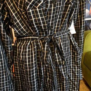 Dresses - NWT Adorable drapey shirtdress